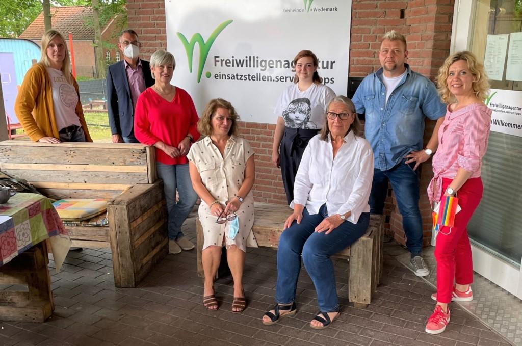 Caren Marks und Rebecca Schamber besuchen das MGH Mellendorf