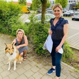 """Dagmar Janik mit mir bei ihrer """"Hunderunde"""" mit Luke🐶"""